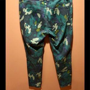 CAbi Jeans - CAbi camo clover jeans 10 jeggings women's